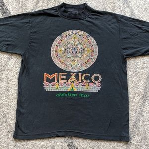 RARE Vintage Colorful Chichen Itzo Mexico T-shirt